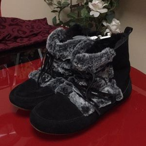 Black moccasin booties by Lucky Brand, size 9 new